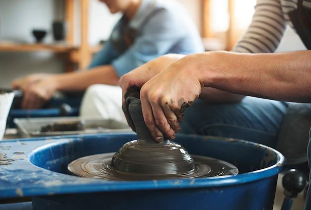 Concept d'atelier d'artisanat d'artiste artiste poterie