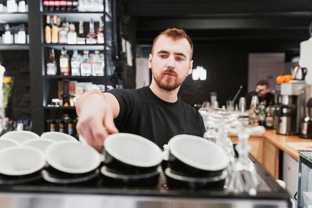Concept de bar avec des tasses à café