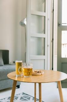 Concept de bière sur la table