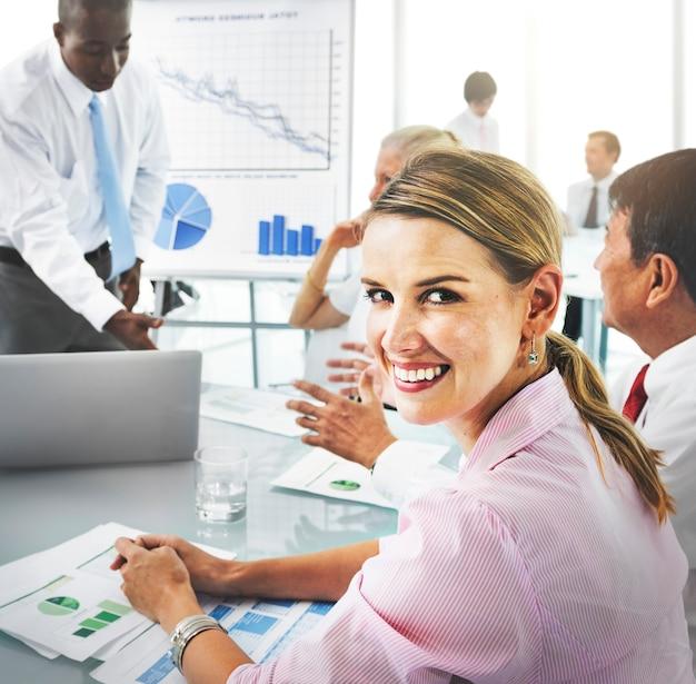 Concept de bureau d'entreprise de réunion d'affaires