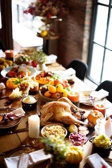 Concept de cadre de table de dîner traditionnel célébration de thanksgiving