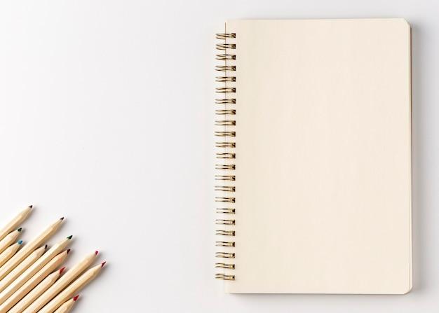 Concept de cahier vue de dessus avec espace copie