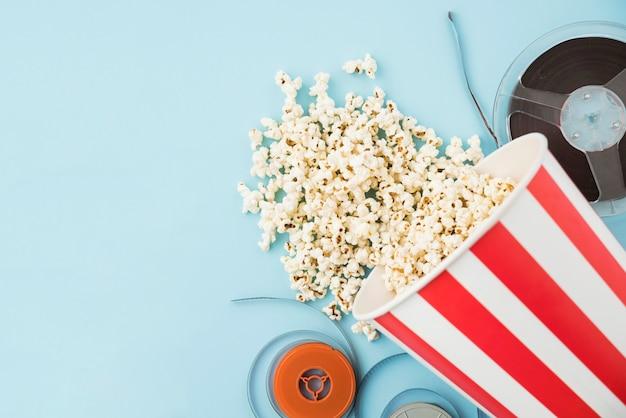 Concept de cinéma avec divers éléments