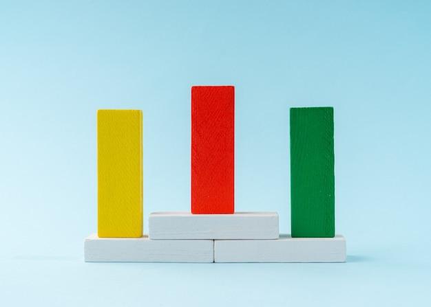 Concept de classement fabriqué à partir de blocs de bois.