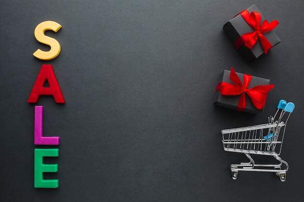 Concept coloré de vente avec espace de copie