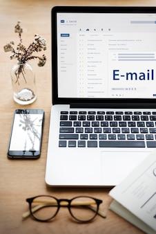 Concept de connexion de communication de message en ligne