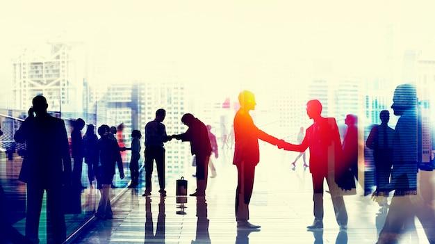 Concept de conversation de gens d'affaires parlant connexion