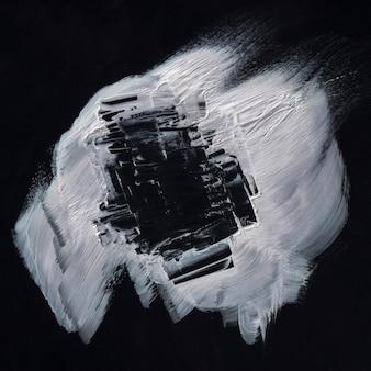 Concept de coup de pinceau de peinture blanche