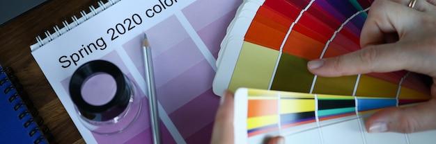 Concept créatif du mois calendrier sélection tendance couleur publicité