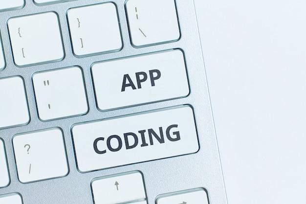Le concept de création d'applications pour smartphones et tablettes mobiles.