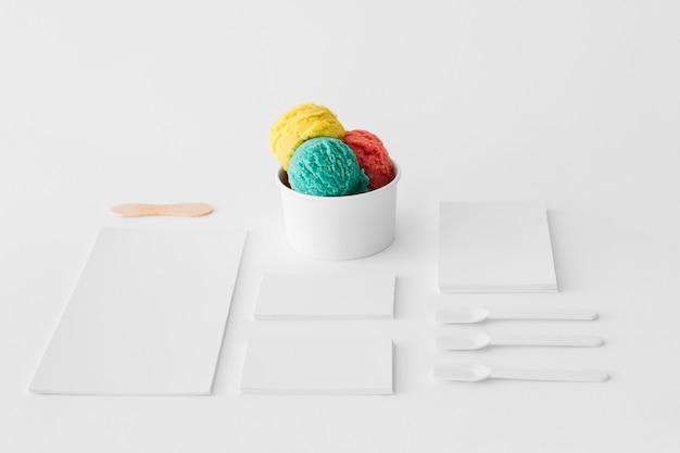 Concept de crème glacée de papeterie