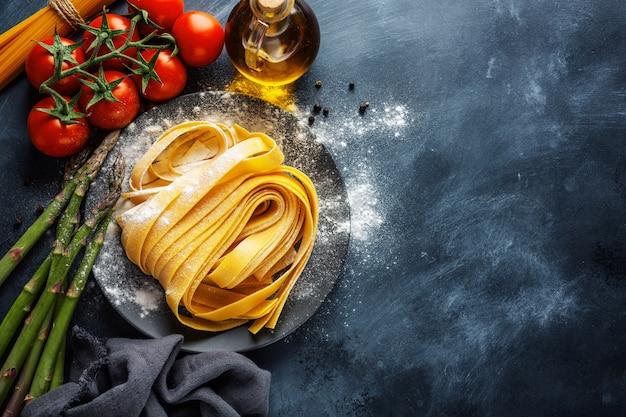 Concept de cuisine avec des ingrédients pour cuisiner
