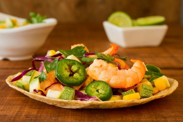 Concept de cuisine mexicaine sur fond de bois