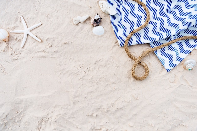 Concept de détente plage sable vacances d'été