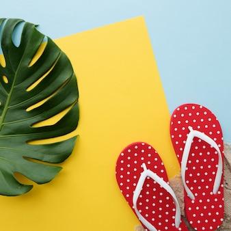 Concept de détente sandales flip flop plage vacances d'été