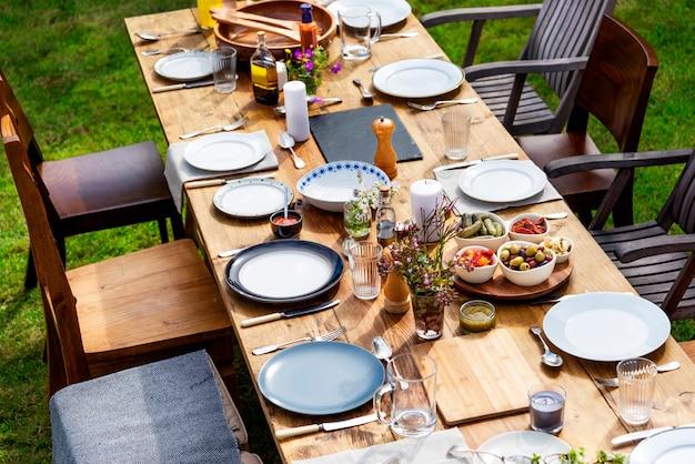Concept de dîner de vaisselle de table