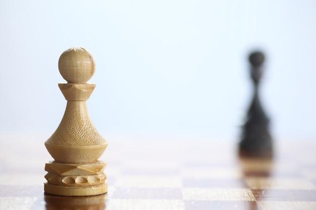 Le concept du jeu d'échecs aux pensées du champ de bataille