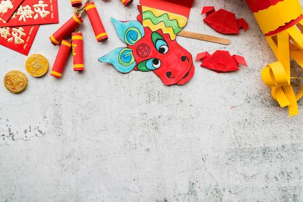 Concept du nouvel an chinois avec de l'artisanat en papier
