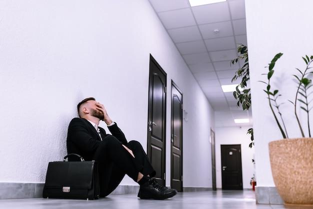 Concept d'échec d'entreprise et problème de chômage