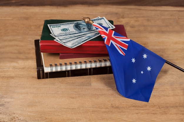 Concept de l'éducation en australie, passeport sur le drapeau de l'australie