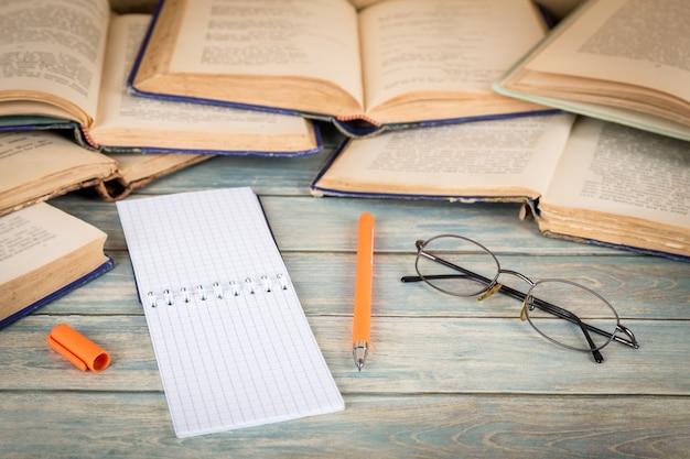 Concept d'éducation, d'étude et de recherche