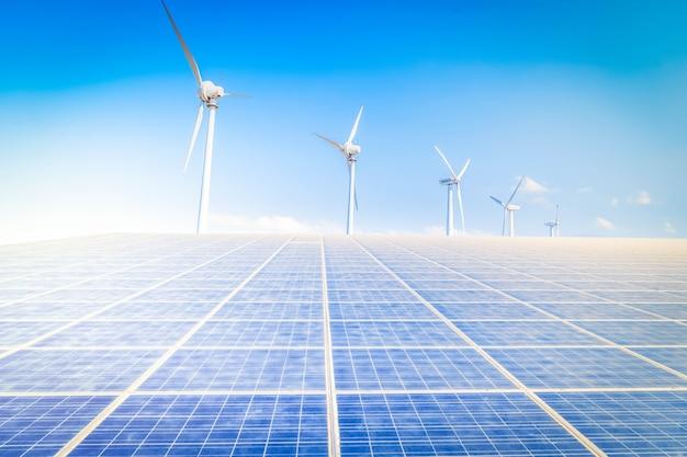 Concept d'énergie alternative - centrale solaire et ferme éolienne, tonifiée