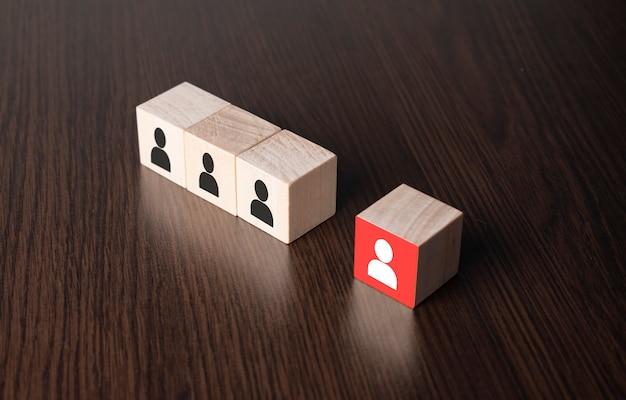 Concept d'entreprise de gestion des ressources humaines et de recrutement, bloc de cube de bois. espace de copie