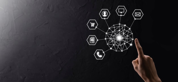 Concept d'entreprise gros plan de l'homme à l'aide d'un téléphone intelligent mobile et d'une icône infographique de la technologie communautaire numérique. concept de haute technologie et de données volumineuses. image tonique