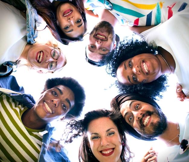 Concept d'équipe de relations avec les étudiants de connection connection