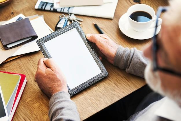 Concept d'espace de copie de tablette numérique workspace