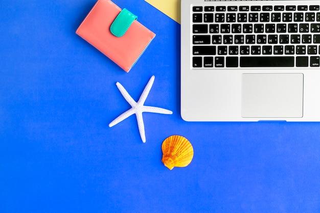 Concept d'été pour ordinateur portable seashell purse