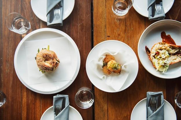 Concept d'événement de vaisselle de banquet à l'intérieur