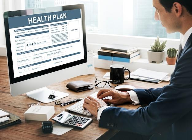 Concept d'examen de l'information sur le plan de santé