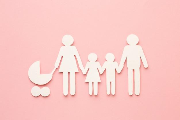 Concept de famille de papier découpé