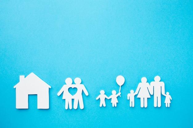Concept de famille de papier avec espace copie