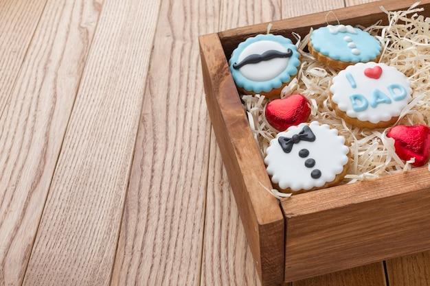 Concept de la fête des pères avec des cookies