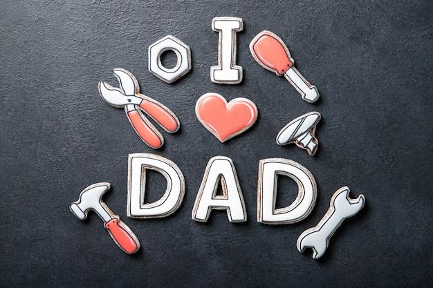 Concept de fête des pères heureux. biscuits. place pour le texte