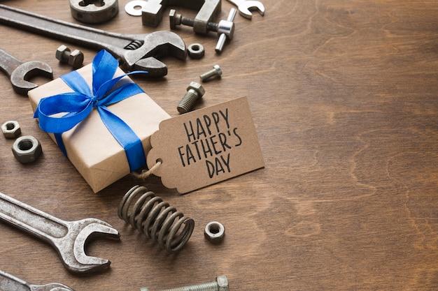 Concept de fête des pères avec présent
