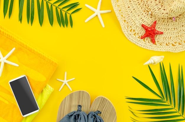 Concept de fond de l'été. cadre plat jaune