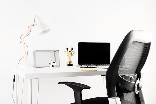 Concept de football et espace de travail