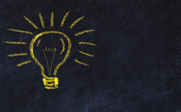 Concept de générer des idées. dessin à la craie d'ampoule. espace de copie