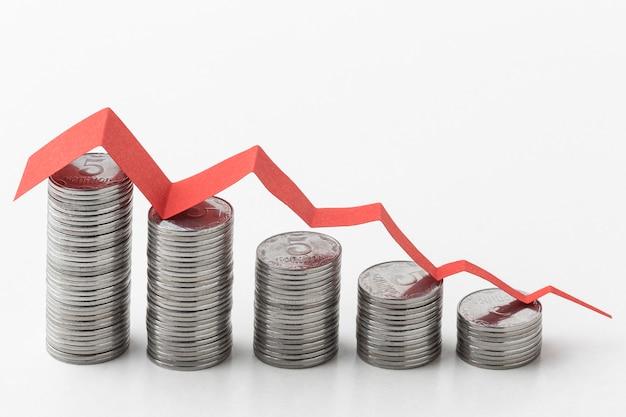 Concept graphique avec des pièces de monnaie et du papier