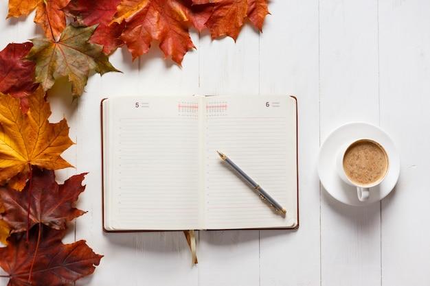 Le concept de l'humeur d'automne