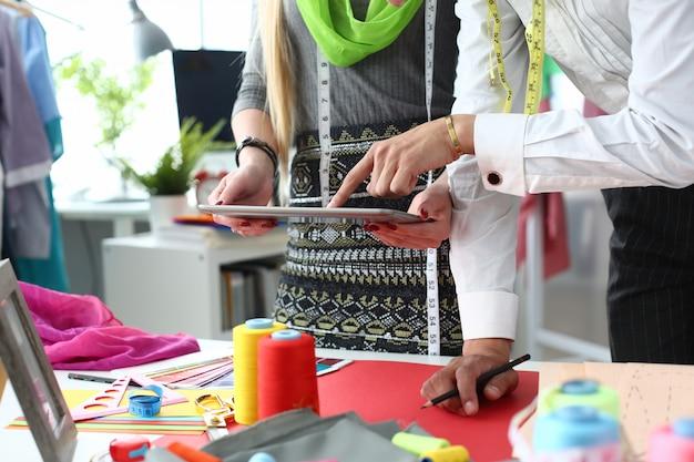 Concept d'industrie de couture de technologie de couture