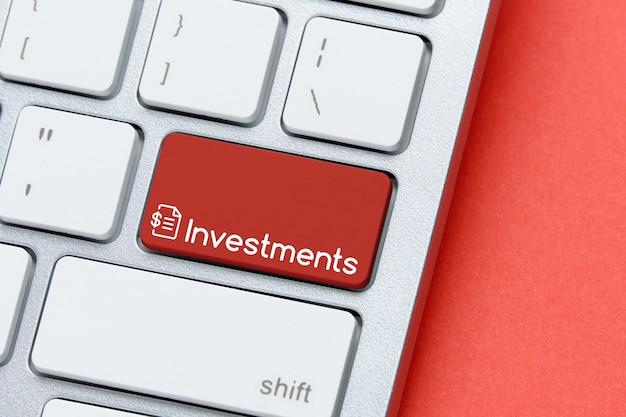 Concept d'investissements sur le bouton du clavier