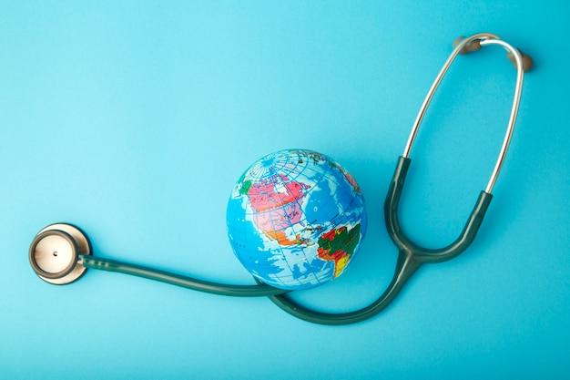 Concept de journée mondiale de la santé avec globe.