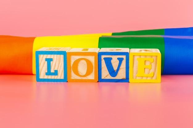 Concept lgbt, texte d'amour, drapeau lgbt