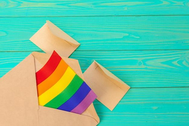 Concept lgbtq, symbole gay, message à vous