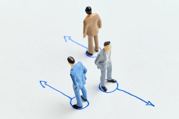 Le concept de licencier un employé de l'entreprise et de l'équipe.