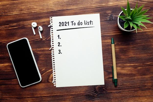 Concept d'une liste de choses à faire pour l'année 2021.